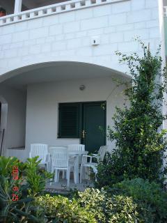 A3 (4+2): terrace