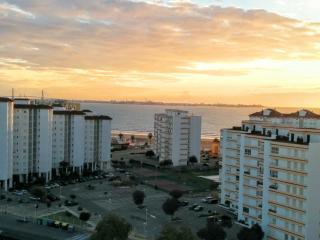 Vistas de la bahía de Cádiz al atardecer
