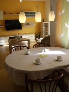 A1(5+2): dining room