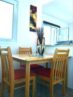 SA4(2+1): dining room