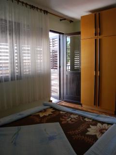 H(8+3): bedroom