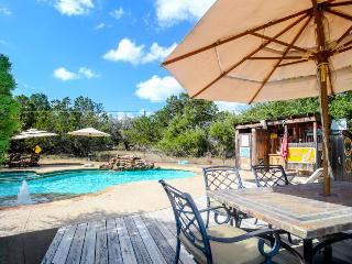 Dog-friendly property w/shared pool, hot tubs & outdoor kitchen!, Dripping Springs
