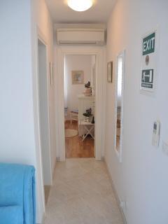 A1-Plavi(2+1): hallway
