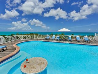 Fully air- conditioned Caribbean villa with Sea views. C ADO, Terres Basses