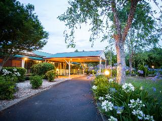 Bonville Lodge Pet Friendly B&B - 2 Bedrooms, Coffs Harbour