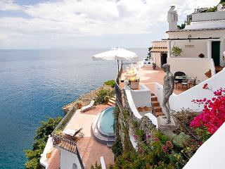 Recently restored 1820s 3-story villa 100 steps from its main gate. YPI ORI, Costa de Amalfi