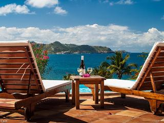 Clean & Comfortable with sunset views over St. Barts WV JCC, Pointe Milou