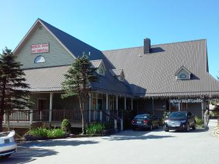 White Wolf Lodge Country Store & Ski Shop, Beech Mountain