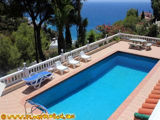 VILLA GEORGIE *** SPECTACULAR SEA VIEWS *** LARGE POOL
