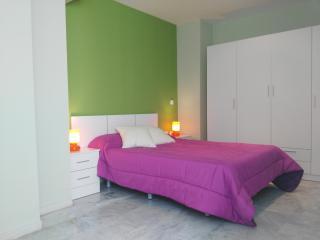 Moderno apartamento con WIFI 4, Granada