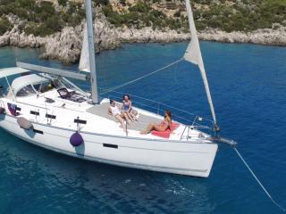 Sailing yacht tundra. Bavaira 45 Cruiser