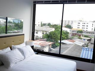 24Hostel- Cozy rooms including american breakfast, Bangkok