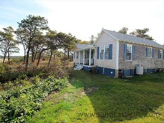 CHAPPY COTTAGE WITH SPECTACULAR VIEWS OF EDGARTOWN HARBOR & LIGHTHOUSE, Edgartown