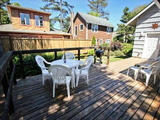 SHERWOOD FOREST~MCA# 262~Charming classic beach house one block to the beach