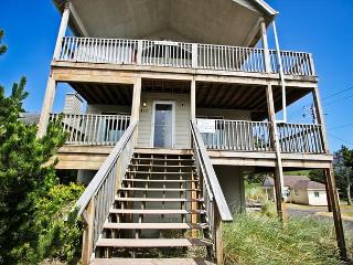 Front view of Pacific Escape from the road - 12 steps to entry door.