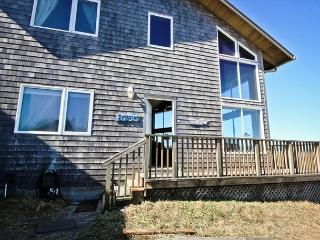 WATERS EDGE MCA# 1427~will amaze you with it's spectacular view and location!, Manzanita