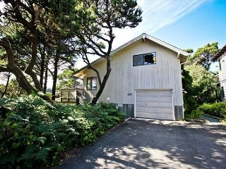 SECOND WIND~MCA# 187~This hot tub house offers a Cape Cod style luxury feel, Manzanita