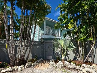 Alexandria's Secret- Luxurious Home w/ Private Pool - 1/2 Block to Duval St, Key West