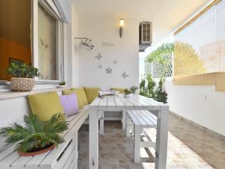 Cozy luxury beach apartment