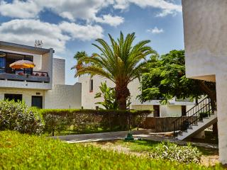 Townhouse near the beach in Playa de Las Americas, Playa de Fanabe