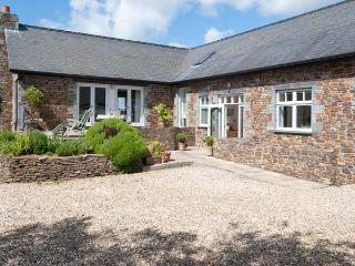 PENARVON HOUSE, luxury house, en-suites, games room, mooring available, in Helford, Ref 922613