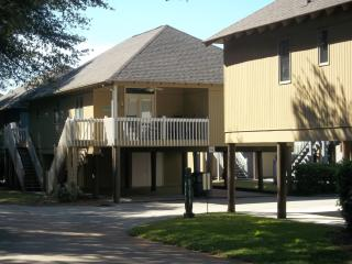 Fabulous 3 BR Beach House!  Walk 2 Blocks to Beach