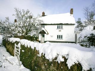 Luxury Boutique Cottage, Devon - Moorland View, North Bovey