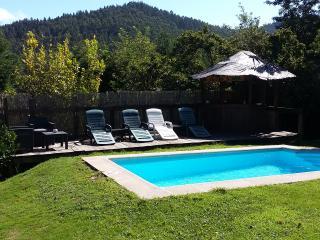 finca con piscina, Asturië