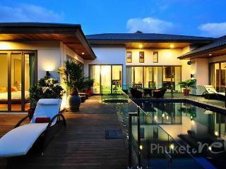 Splendid 3-Bed Villa near Bangtao Beach, Chalong