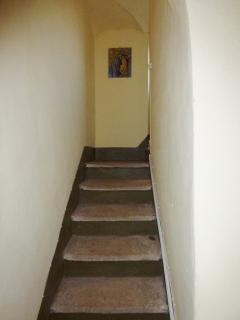 OS Castle - Romantico appartamento nella torre del Castello di Tassarolo - La scala per la torre