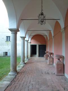 OS Castle - Romantico appartamento nella torre del Castello di Tassarolo - La corte interna