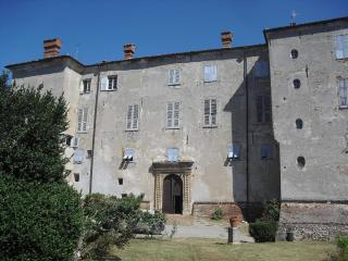 OS Castle - Romantico appartamento nella torre del Castello di Tassarolo