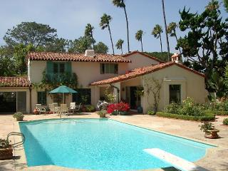Spanish Style Villa, Pool, Walk to Beach, a Dream Vacation!