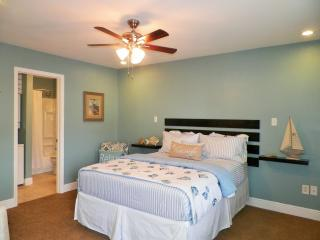 Just Beachy in BIloxi  ☼ $75/Night!!  $400/ Week!!, Biloxi