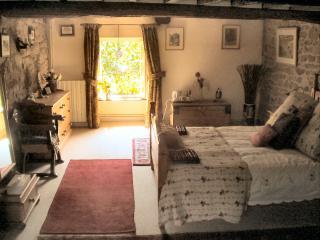 Poppies double bedroom.