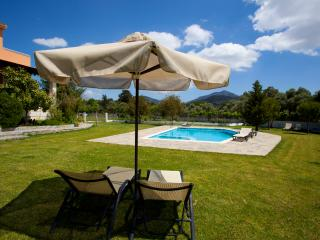 VILLA AURORA KOXARE with barbecue and private pool, Rethymnon