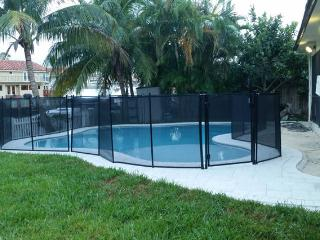 WF, Pool, Home, walk or bike to the Beach, Sunny Isles Beach