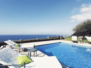 Villa Lux on the cliff. Up to 14 people., Llucmajor