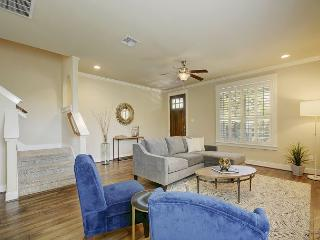 4BR Lady Bird Lake House in Austin – Sleeps 8