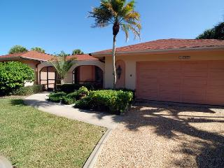 Ground level home in East Rocks with Pool near Beach, Isla de Sanibel