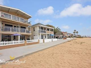 4 Bedroom Oceanfront Middle Unit! Walk to the Balboa Pier!, Newport Beach