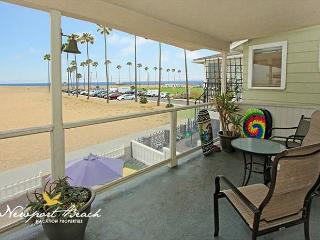 BALBOA BEAUTY Large Family Oceanfront with AMAZING DECK VIEW of the BEACH