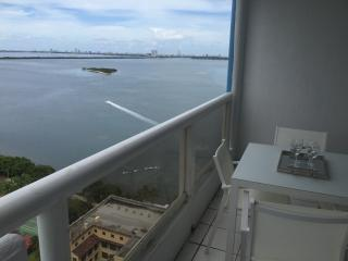 Fabulous!! 3 bedroom 10min to South Beach