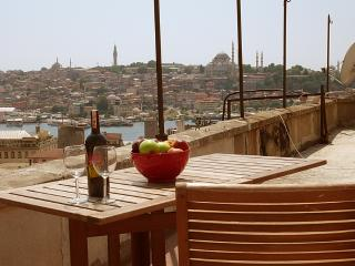 PANTELIS: TERRACE GREAT SEA VIEW GALATA BALCONY, Estambul