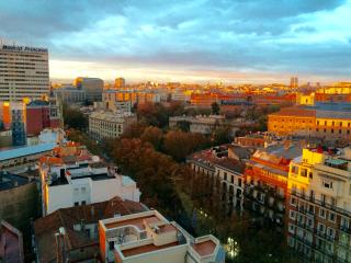 B&H Apartments Madrid Panorámic View
