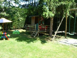 Jeux pour les enfants . gîte des cèdres - Ameugny, Taizé (Ferienhaus - Holiday cottage house) 9