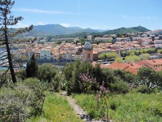 Charming Ground Floor Apartment For Up To 4 People, Port-Vendres