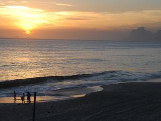 Rio de Janeiro Flat Ocean Front Camboinhas Beach