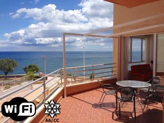 Apartamento con vista frontal al mar, 50m de playa, Calpe