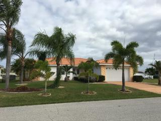 Beautiful Punta Gorda Isles, waterfront easy acces